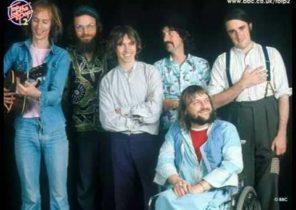 Robert Wyatt - I'm a believer - Top Of The Pops - 1974