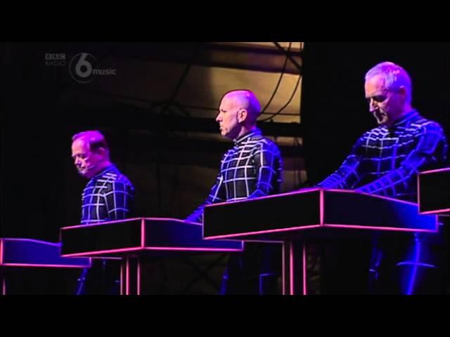 Kraftwerk – Computer Love