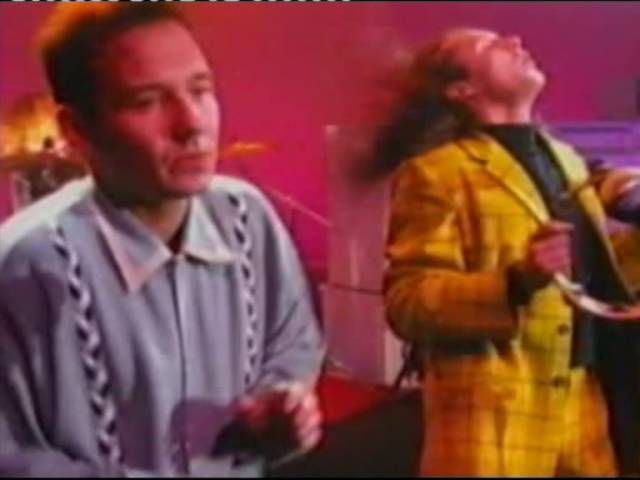 Vic Reeves and The Wonder Stuff – Dizzy