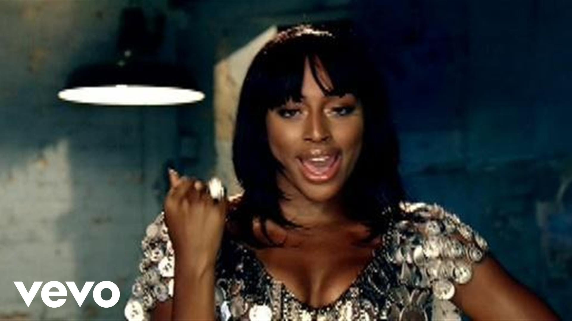 Alexandra Burke feat. Flo Rida – Bad Boys