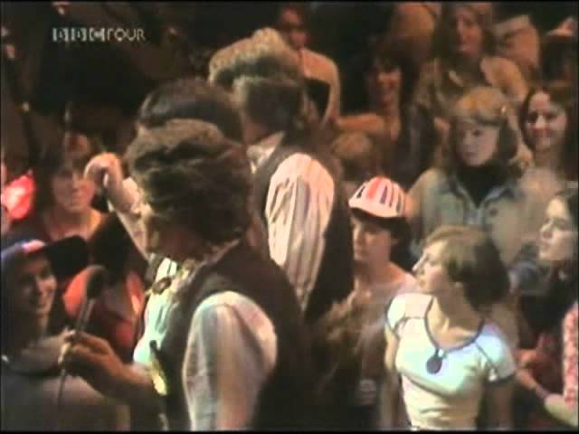 The Wurzels – Farmer Bill's Cowman