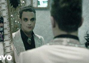 Robbie Williams, Pet Shop Boys - She's Madonna
