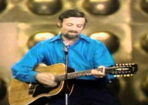Roger Whittaker ~ New World In The Morning