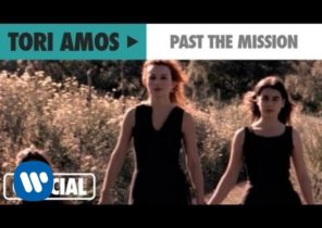 """Tori Amos - """"Past The Mission"""" (Official Music Video)"""