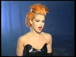 Toyah – Don't Fall In Love