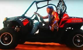 6ix9ine (feat. Bobby Shmurda) – Stoopid