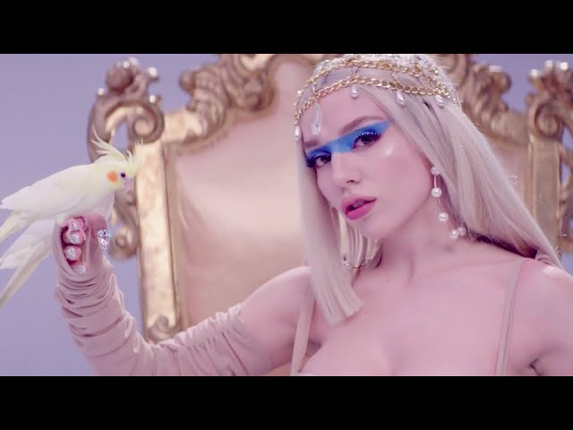 Ava Max – Kings & Queens