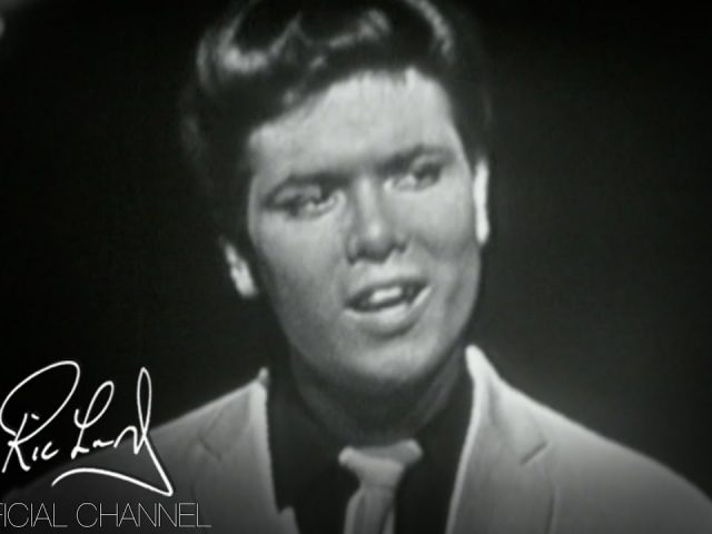 Cliff Richard & The Shadows – Living Doll