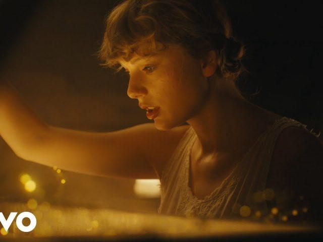 Taylor Swift – Cardigan